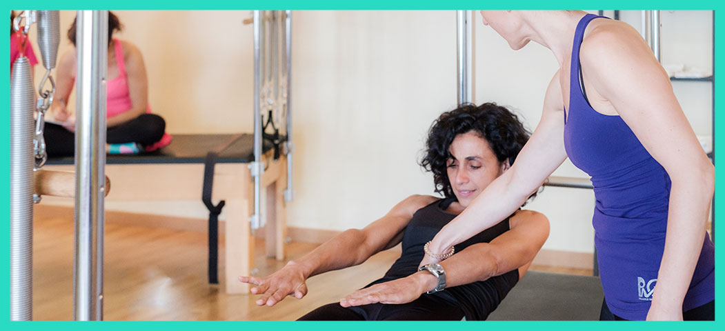 rutina-calentamiento-pilates-ROLL-UP